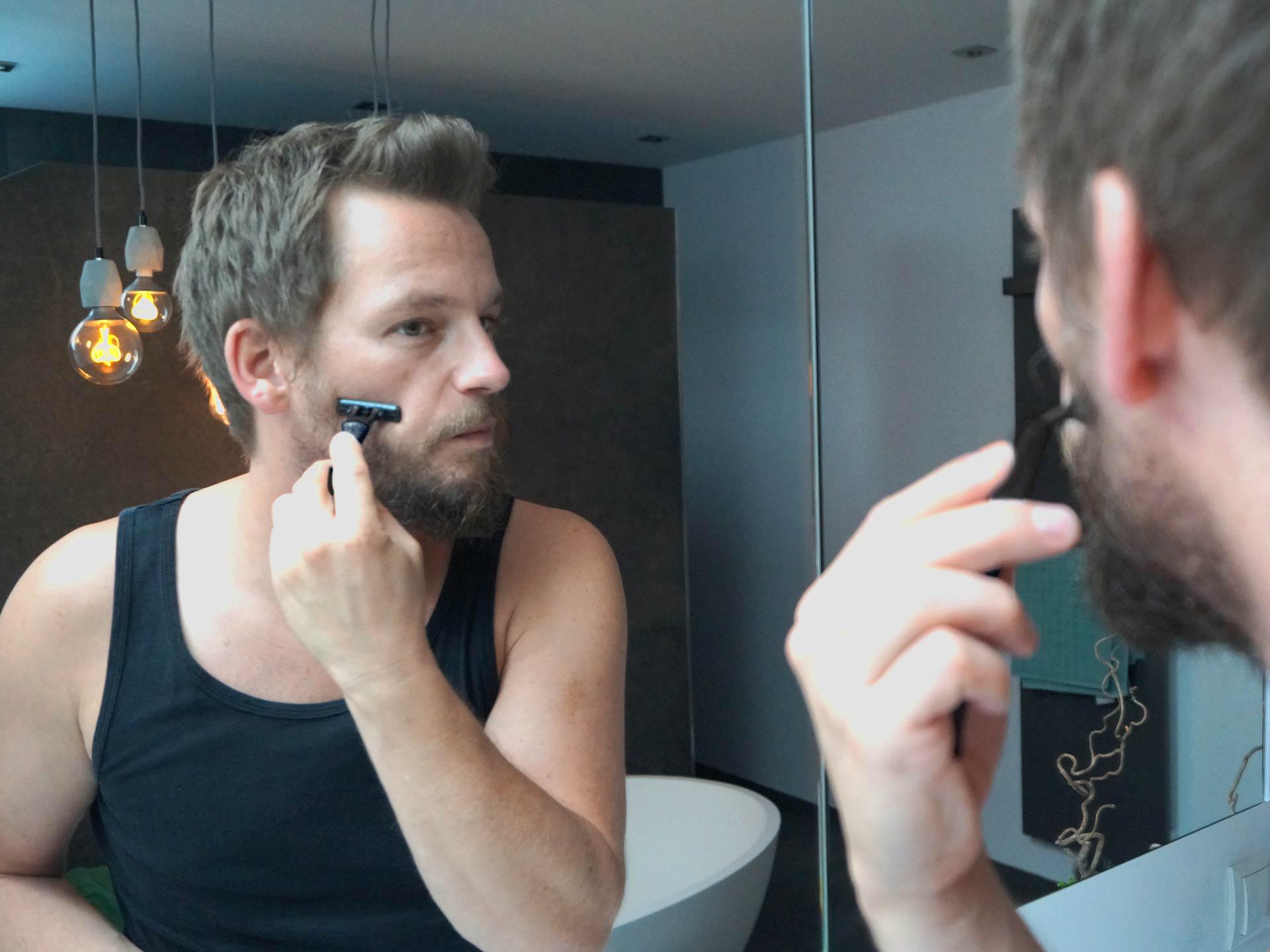 Das Rasieröl von Bartpracht ist die perfekte Alternative zu normalem Rasierschaum.