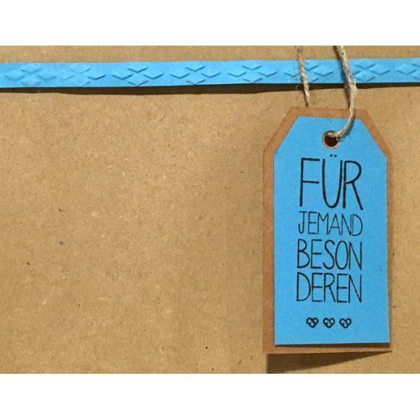 """Geschenkverpackung mit Anhänger """"für jemand Besonderen"""" von cosa Kosmetik"""