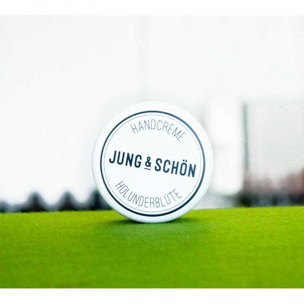 Die Handcreme mit Holunderblütenduft im Miniformat von Jung & Schön