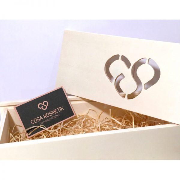 Handgemachte Holzbox mit Herz von cosa Kosmetik