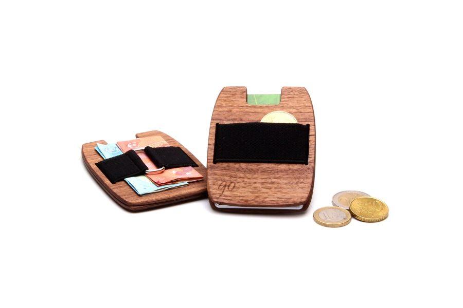 Die Holzgeldtasche aus Nussholz von gô for nature