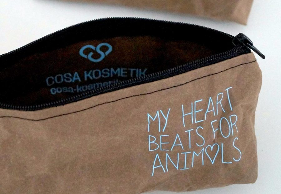 "Kosmetikbeutel ""My heart beats for Animals"" innen"