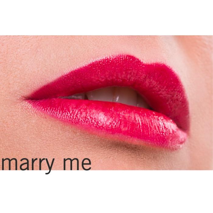 Der Lippenstift Marry Me von Benecos