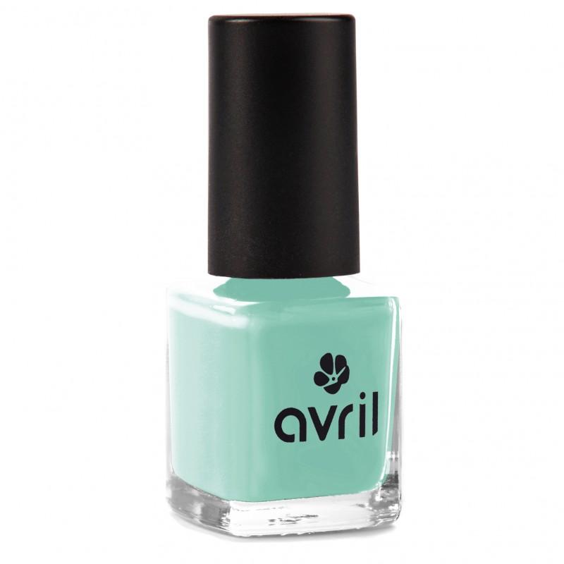 Der langanhaltende Nagellack in einem frischen grün-blau von Avril