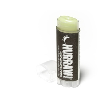 Der reichhaltige Nachtpflege-Lippenbalsam von Hurraw!