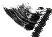Die Ultimate Natural Mascara in schwarz für lange und dichte Wimpern von Beauty without Cruelty