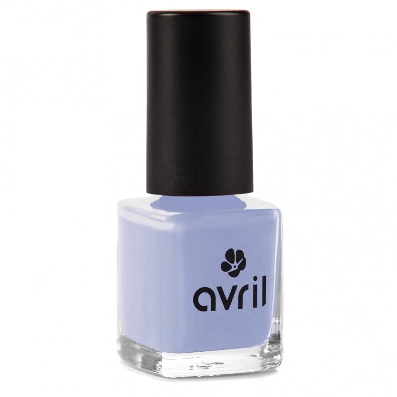 Der vegane Nagellack in bleu layette von Avril