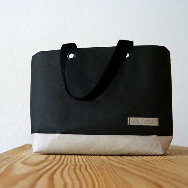 Kleiner Shopper in Schwarz-Grau aus veganem Leder