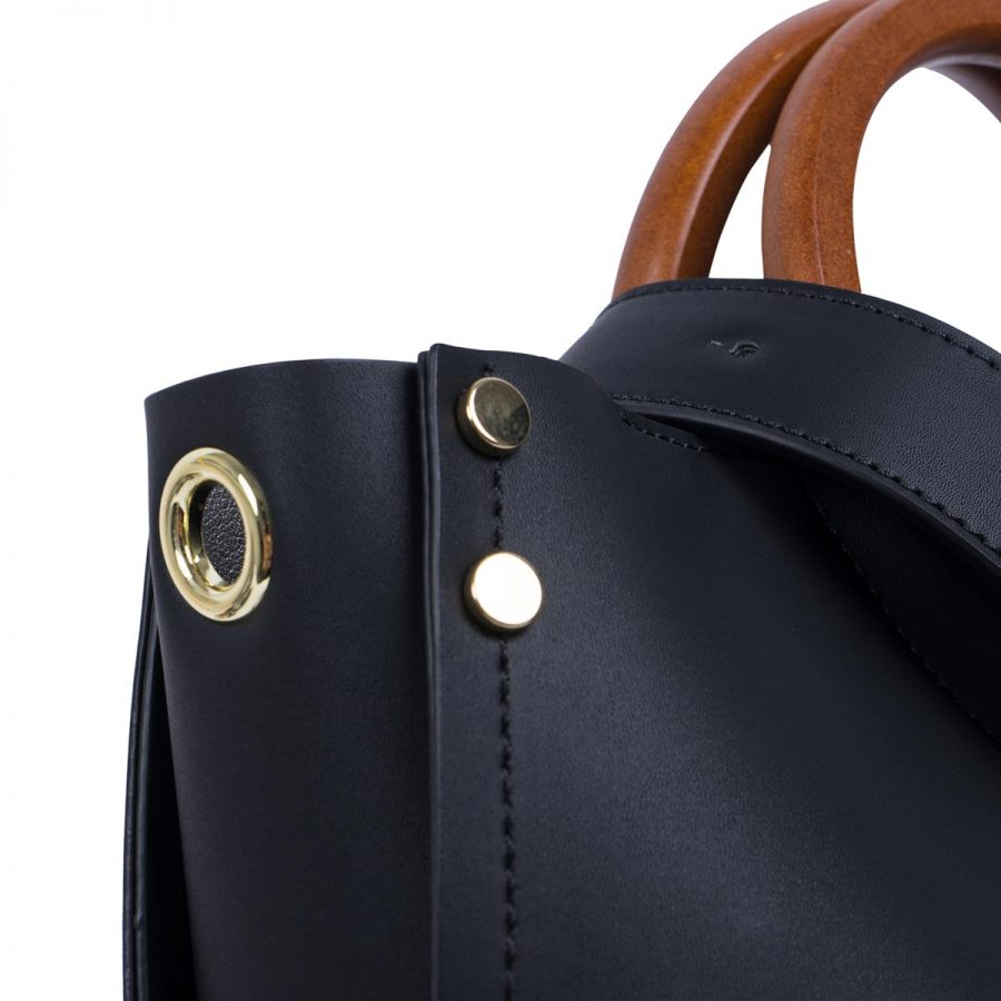 Vegane Handtasche Viviana in Schwarz - Seitendetail