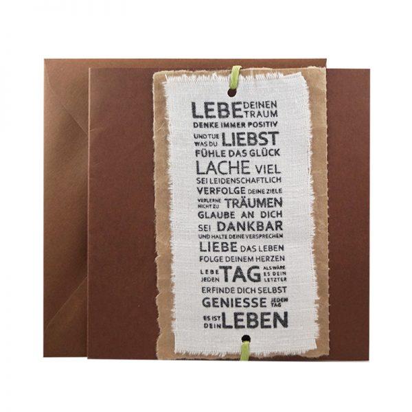 Handgemachte, gestempelte Glückwunschkarte aus Papier und Leinenstoff | Lebe deinen Traum bei cosa Kosmetik