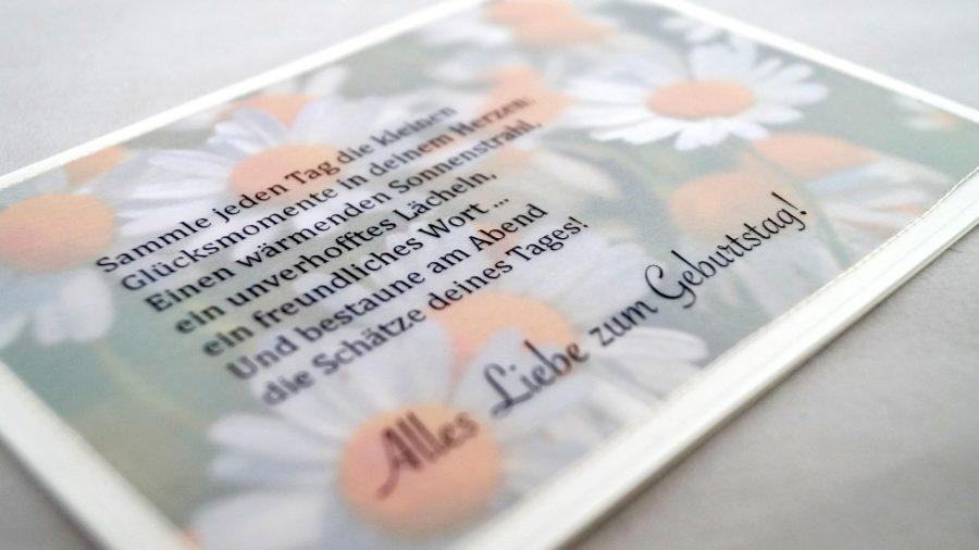 Alles Liebe zum Geburtstag! Handgemachte Geburtstagskarte mit Gänseblümchen bei cosa Kosmetik