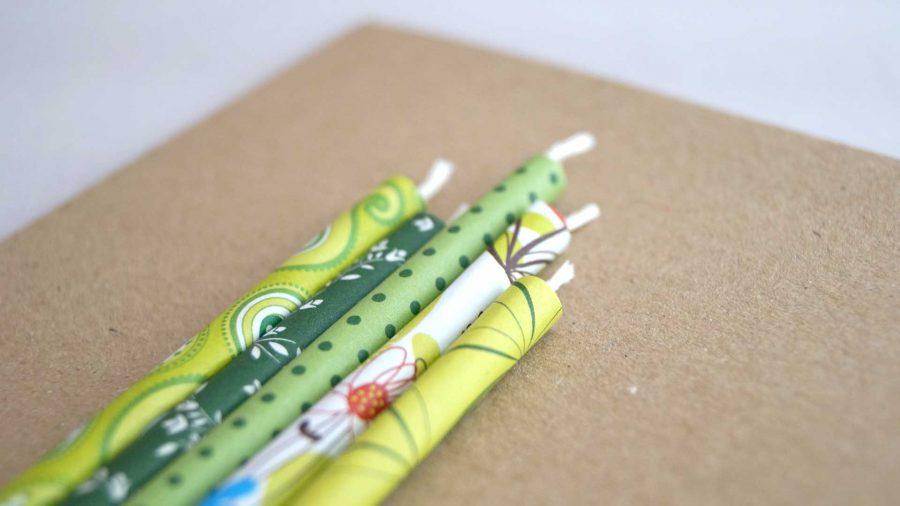 Herzlichen Glückwunsch zum Geburtstag! Handgemachte Karte mit gedrehten Kerzen aus Papier bei cosa Kosmetik