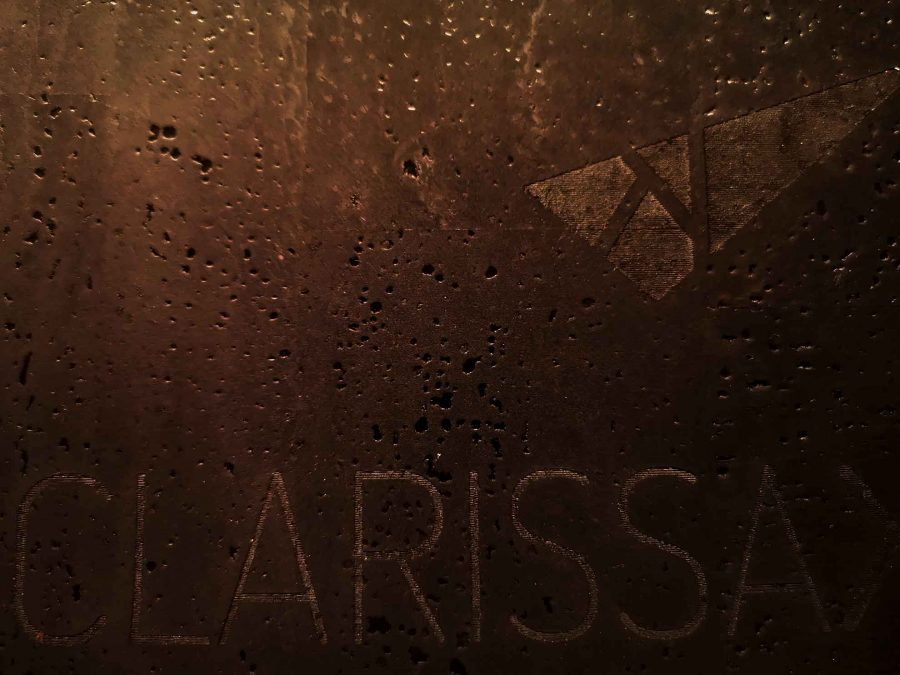 Schreibtischunterlage aus Kork mit Lasergravur von CLARISSAKORK