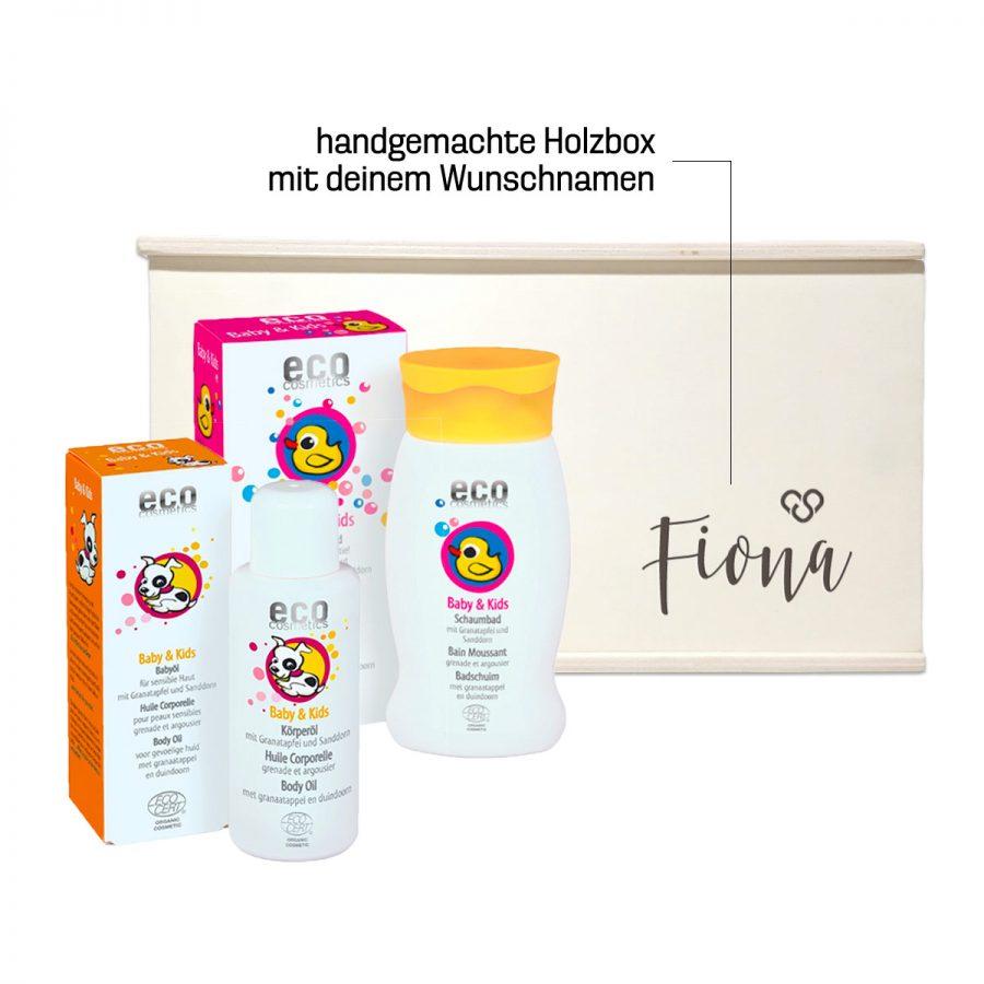Geschenkbox zur Geburt mit personalisiertem Name oder Wunschtext bei cosa Kosmetik ohne Tierversuche
