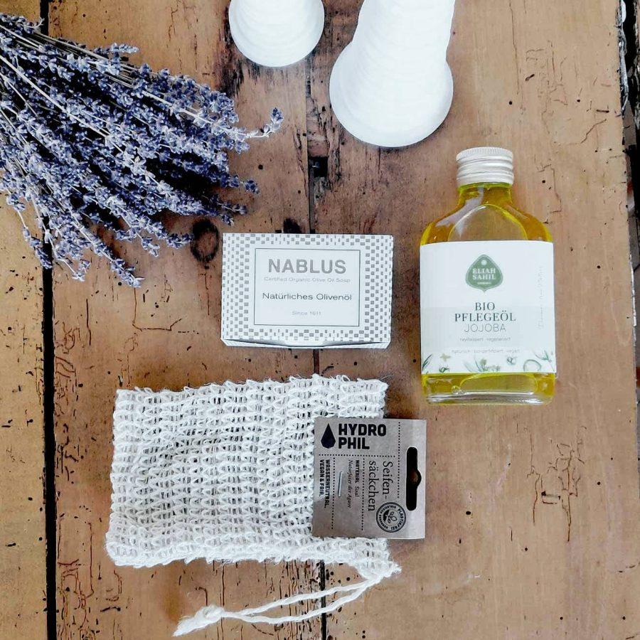 Plastikfreies Körperpflegeset in Glas und Papier verpackt bei cosa Kosmetik ohne Tierversuche