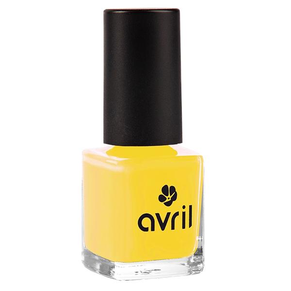 Der langanhaltende Nagellack in Senfgelb von Avril im cosa Kosmetik Onlineshop