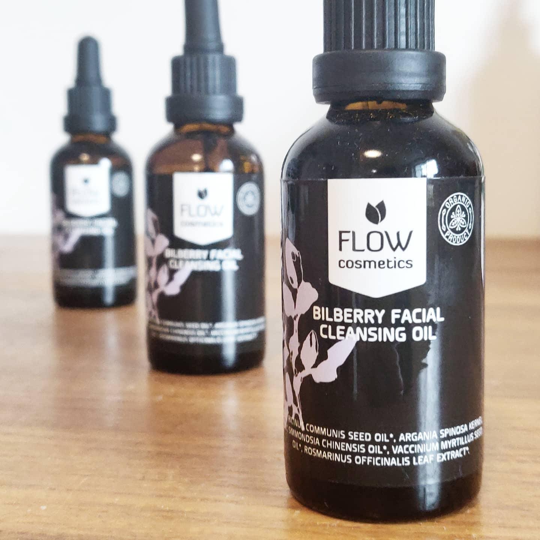 Natürliches, veganes Gesichtsreinigungsöl von Flow bei cosa Kosmetik ohne Tierversuche