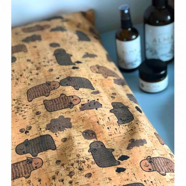 Wickelauflage Hippo Love aus Kork von ClarissaKork im cosa Kosmetik Onlineshop